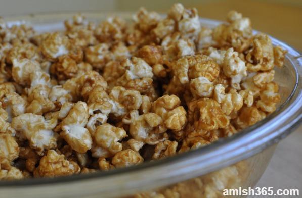 Rosanna's No-Mess Microwave Caramel Corn
