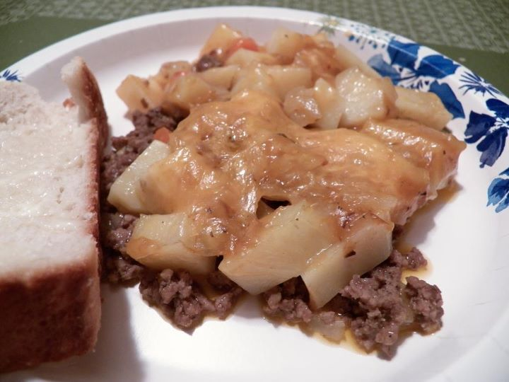 """Friday Favorites: Skillet Casserole, Pizza Casserole, Rivvel Soup, and """"Topless"""" Buggies"""