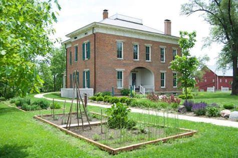 Rethinking Porkopolis: Chrisholm Amish Farmstead