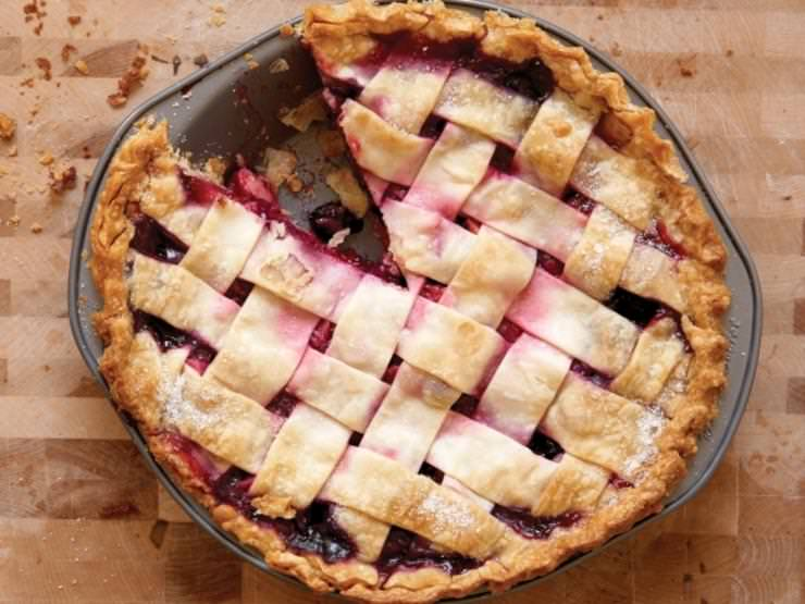 Amish Classic – Bumbleberry Pie and Easy Crust