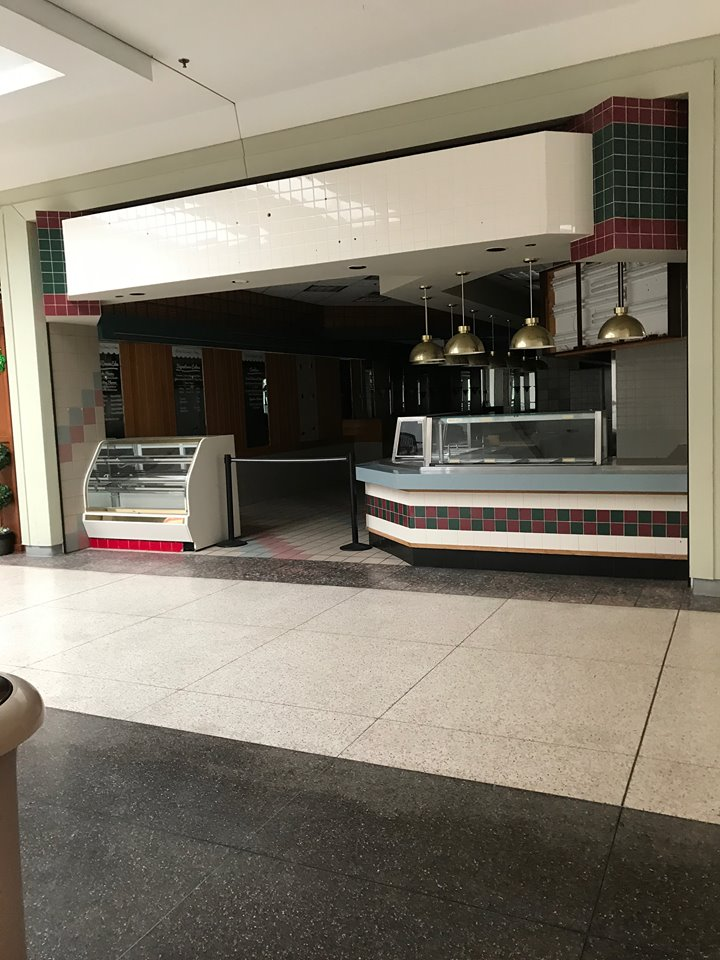 Visit To a Very Dead Mall
