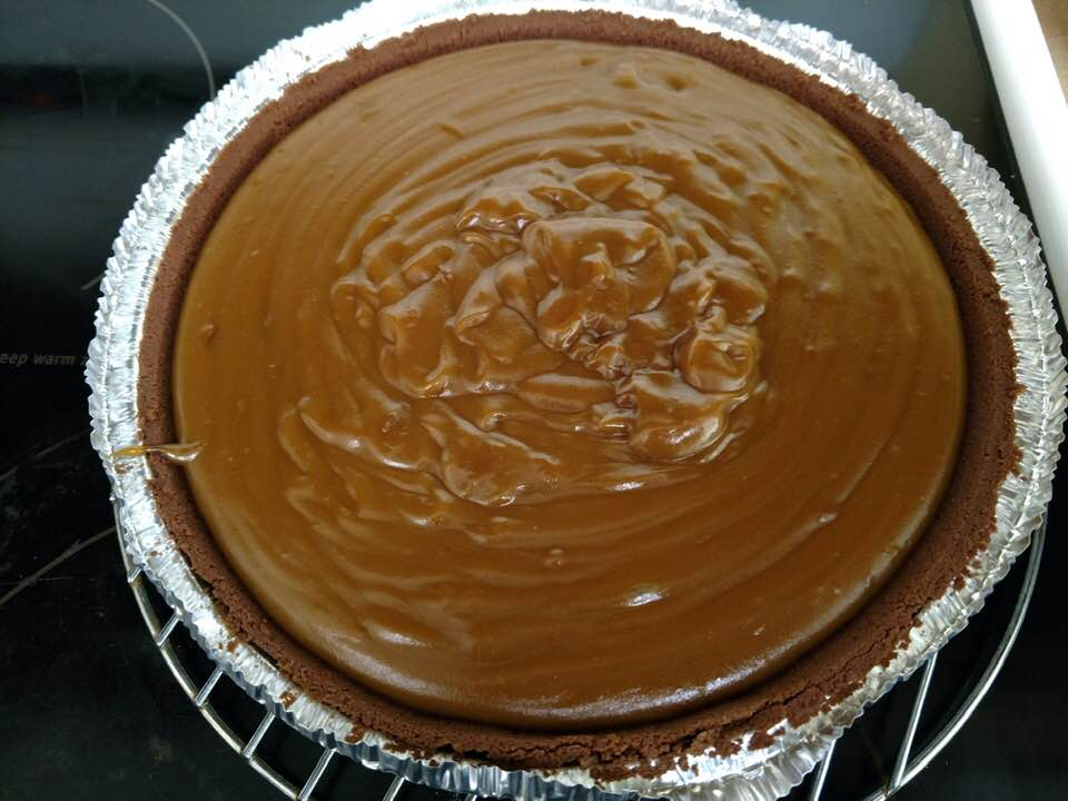 No-Mess Amish Caramel Pie
