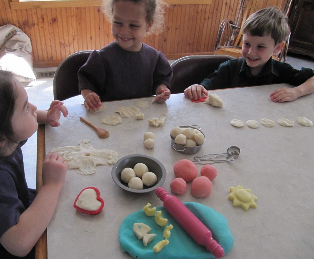 The Amish Cook: Homemade Play-Doh