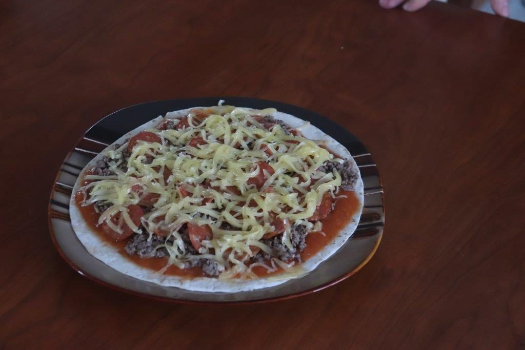 The Amish Cook: Easy Tortilla Pizza Wedges