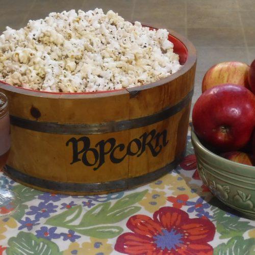 Fresh amish spiced apple cider with popcorn - Amish365.com